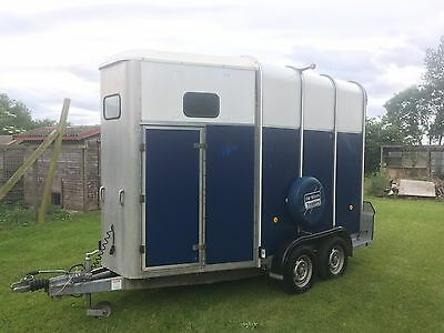 Ifor Williams HB510R horse box trailer Blue