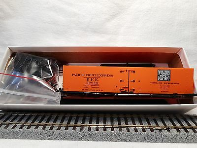 Red Caboose - HO Scale Western Pacific Refrigerator Car Building Kit - PFE50056