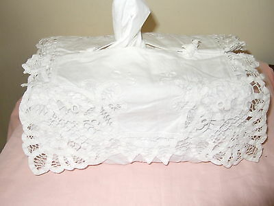 White Cotton Pretty Lace Tissue Box Cover Good Condition
