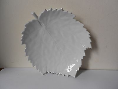 KPM Berlin  Porcelain Leaf Dish, 16 x 14 x 2.5 cm. Medium size, Vintage mark