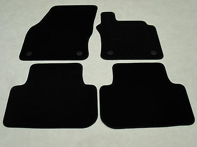 VW Golf Mk7 2013-onwards. Fully Tailored Deluxe Car Mats in Black