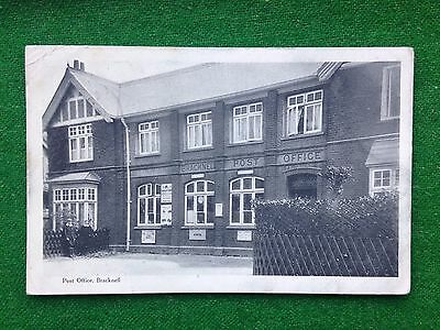 Bracknell     Post Office     Berkshire    Vintage Postcard