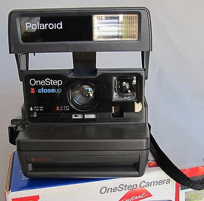 POLAROID INSTANT ONE STEP 600 FILM CAMERA TESTED & WORKING W/ BOX Looks Excl.