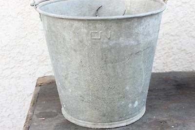 VINTAGE CNR GALVANIZED PAIL BUCKET OIL CAN MARKED HANDLE cn RAILWAY COAL
