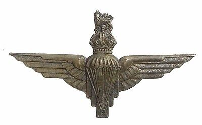 Ww2 The Parachute Regiment Cap Badge White Metal