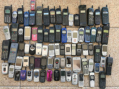 Lot 80 Téléphones portables Collection vintage JOB LOTS