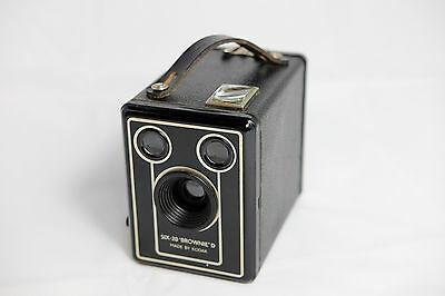 Vintage Kodak Brownie Six-20 Model D Box Camera - Made in England 1940's