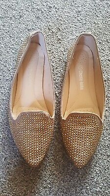 Ladies Beige Dolly Style Shoe With Gold Bead Design Size 7.5 By Cherry- Koko