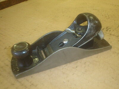 ANTIQUE STANLEY No.220 BLOCK PLANE SMOOTH BOTTOM PLANE MADE IN USA VERY GOOD