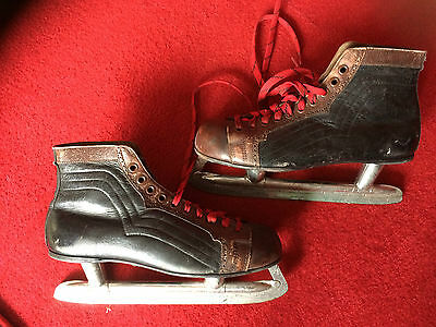 "Antique American Leather Ice Skates=Size=""9"""