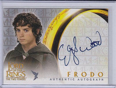LORD OF THE RINGS: TWO TOWERS - ELIJAH WOOD (Frodo) Topps autograph trading card