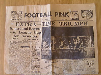 1969 LEAGUE CUP FINAL SWINDON TOWN v ARSENAL   SWINDON FOOTBALL PINK
