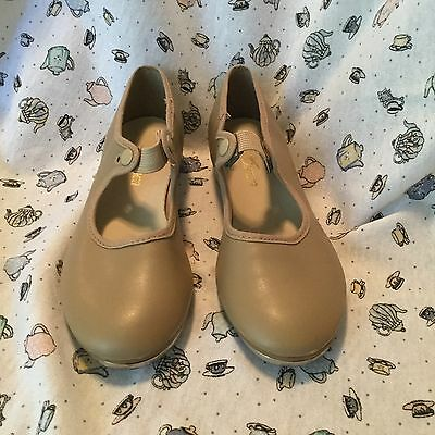 SO DANCA Girl's Beige Tap Dance Shoes Size M 1 1/2 S Very Good Condition FUN!!!