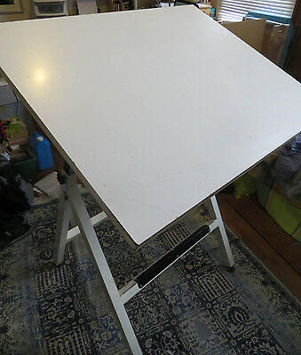 Free standing drawing board - 73 x 92 cm