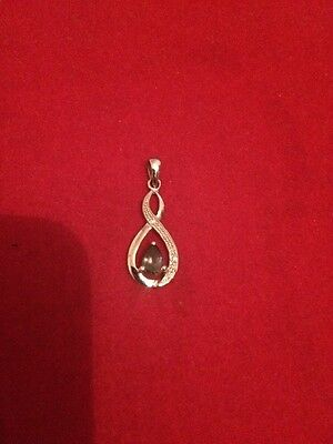 Solid 9ct White Gold Pendant With Gemstone