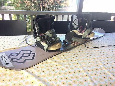 Kids Snowboard 120cm with Boots and bindings,