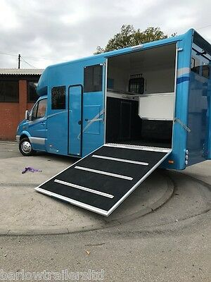 3.5 tonne Mercedes Daily Horsebox, Brand New Build - AUTOMATIC