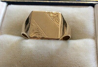 Lovely Quality Gents Hallmarked Vintage 9ct Gold Square Patterned Signet Ring -R