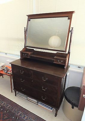 Lovely Victorian Mahogany Chest of Drawers/Dressing Table in Good Condition