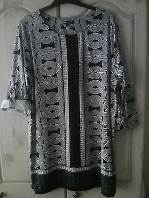 Ladies long tunic top 3/4 length sleeve. size 18