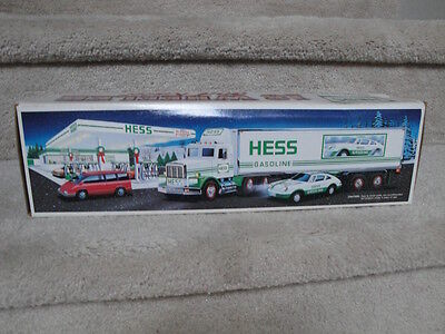 "MIB 1992 Hess 18 Wheeler And Racer Battery Operated ""WOW"""