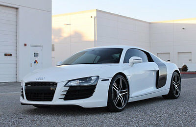 2008 Audi R8 2dr Coupe Manual quattro *Ltd Avail* 2008 Audi R8 6 Speed Manual Gearbox / Coupe Quattro in Ibis White / 22,305 Miles