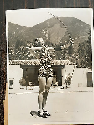 Photo Originale. Tir A L'arc.betty Pickering.californie.1938.