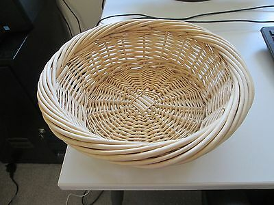 BASKET NEW 30cm CIRCUMFERENCE HEIGHT 9cm USEFULL ROUND BASKET FOR DISPLAYING