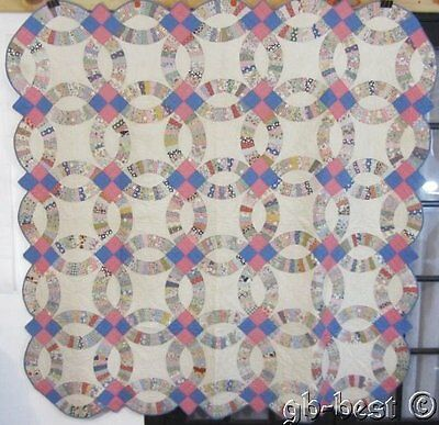 Romance starts here! c 1930s Double Wedding Ring Vintage Quilt PINK Blue Feedsac