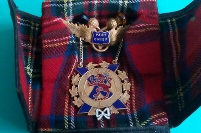 The  Son's Of Scotland Gold Filled Past Chief Pin In Original Case 1941-1943 .
