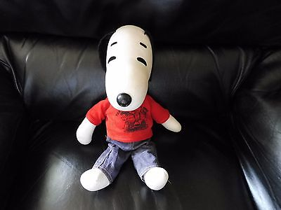 Vintage 1968 Snoopy Peanuts stuffed animal toy Jeans The Gangs All Here red top