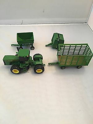 1/64 ERTL JOHN DEERE 9620 TRACTOR Plus Accessories