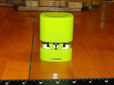 Trudeau (Home Presence) Mini 2-in-1 Salt and Pepper mill - Lime Green  (NEW)