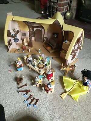 Snow White And The Seven Dwarfs House And Figures