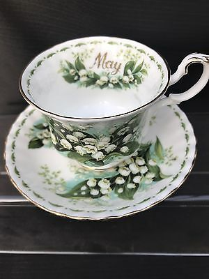 ROYAL ALBERT  Flower of The Month Cup And Saucer Snowdrops