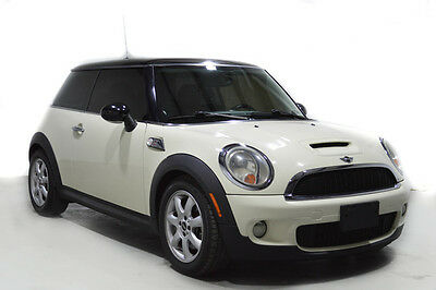 2009 Mini Cooper 2009 MINI COOPER TYPE S ADULT OWNED RUNS AND DRIVE 2009 MINI COOPER TYPE S ADULT OWNED RUNS AND DRIVES WELL NO RUST TAMPA FLORIDA