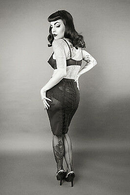 Skirt lingerie sheathing sculpting retro vintage pinup Bettie Page collection