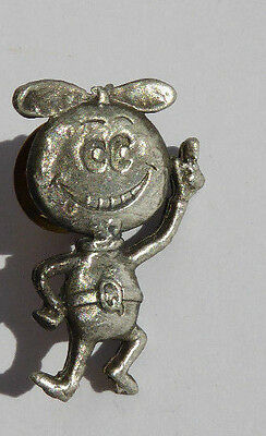 Vintage Quaker Quisp Cereal Metal Pin 👾