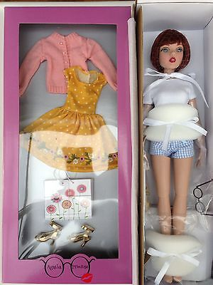 """Tonner Agatha Primrose Basic Chestnut 13"""" Doll and Shopping Spree Outfit - NEW!"""