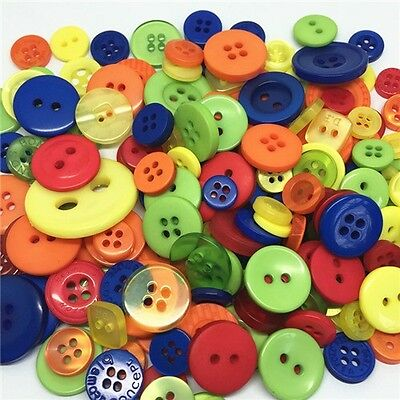 CHRISTMAS  ROUND SEWING BUTTONS CRAFTS Jesse James Buttons ~ Dress It Up  150+