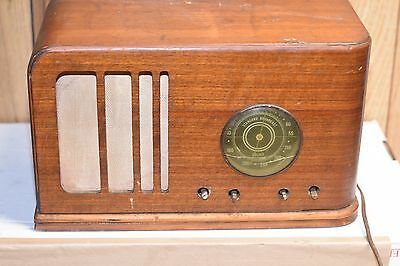 Vintage old wood antique tube radio Westinghouse Model WR 207