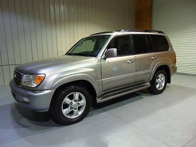 2005 Toyota Land Cruiser Base AWD 4dr SUV 2005 Toyota Land Cruiser Rust Free Navigation 189k clean No Reserve!!!!!