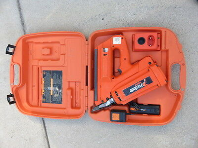 Paslode 900420 cordless 30 degree framing nailer nail gun kit