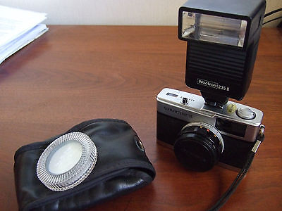 Olympus Trip 35 with case, flash, closeup lens