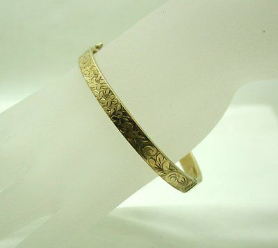 1970's Vintage Lovely 9ct Gold Engraved Floral Design Hinged Bangle