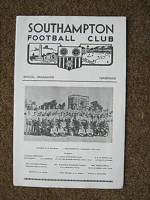 PROGRAMME SOUTHAMPTON v  SWINDON TOWN COMBINATION CUP 7.10.67 EX CONDITION  FC
