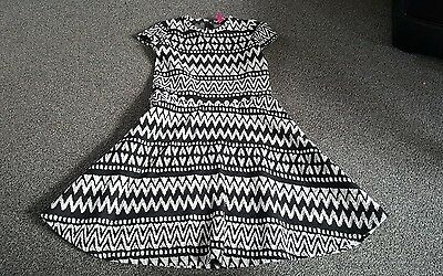 Girls Black & White Skater Style Dress Size 12 - 13 Yrs By Y.d