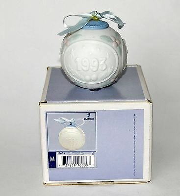 Boxed Lladro 1993 Christmas Ball