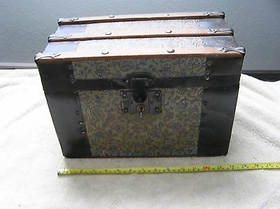 Vintage Salesman Trunk By Rose Trunk Co. With Key