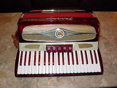 Ferrari Italian 17 inch vintage accordion